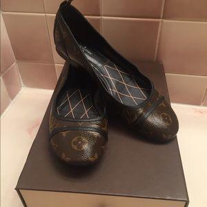 100% authentic Louis Vuitton flat shoes